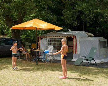 emplacement camping chataigneraie