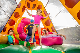 camping castellane chateau gonflable