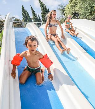 vacances parc aquatique toboggans